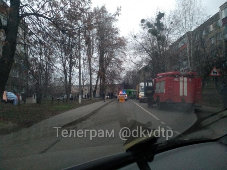 """В Виннице столкнулись два грузовых """"буса"""", есть пострадавшие (фото), фото-2"""