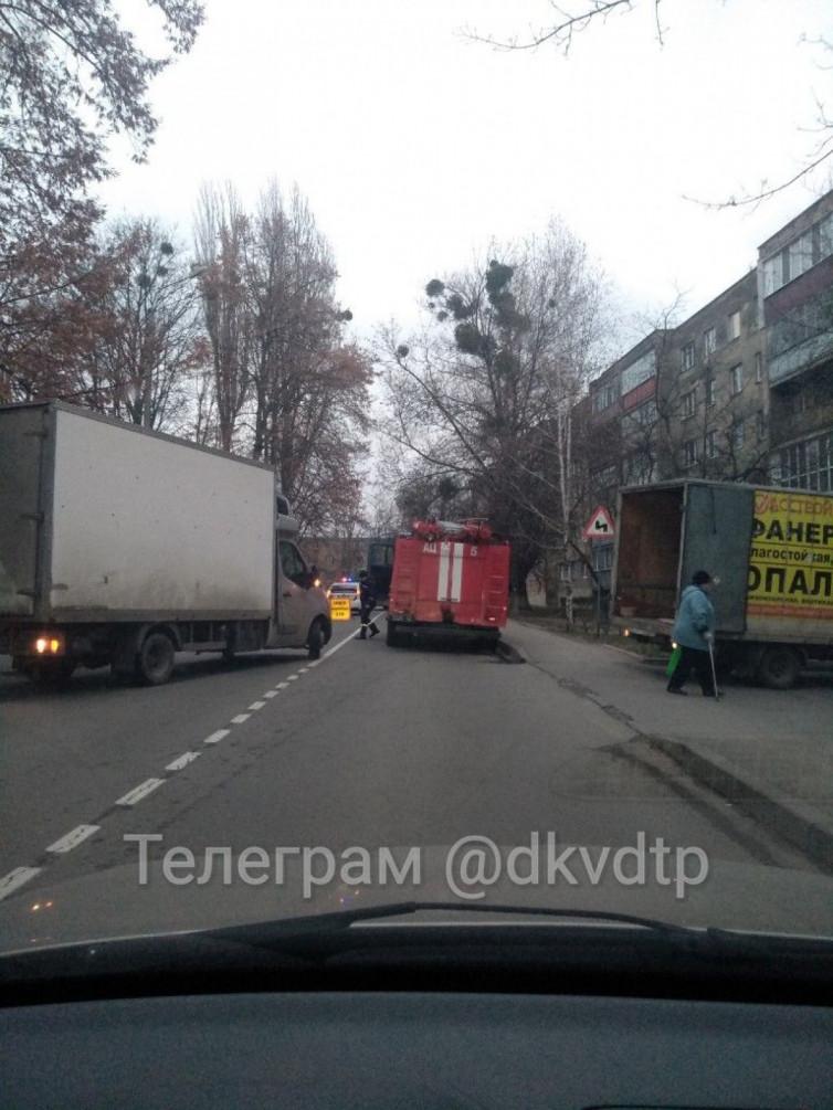 """В Виннице столкнулись два грузовых """"буса"""", есть пострадавшие (фото), фото-3"""