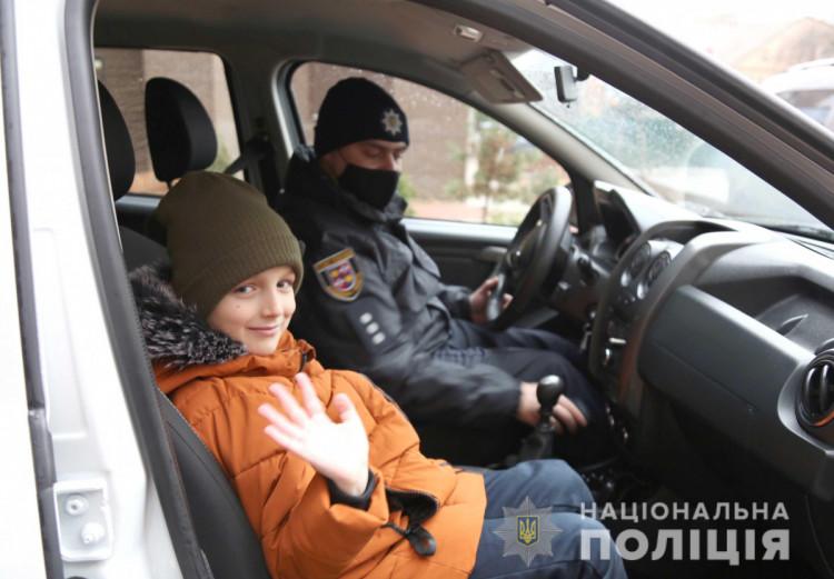 Полицейские Винниччины поздравили детей с праздником Николая (фото), фото-11