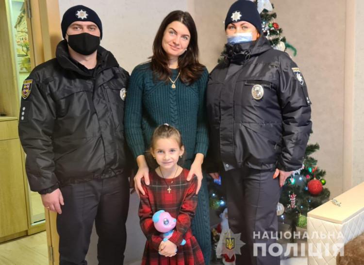 Полицейские Винниччины поздравили детей с праздником Николая (фото), фото-2