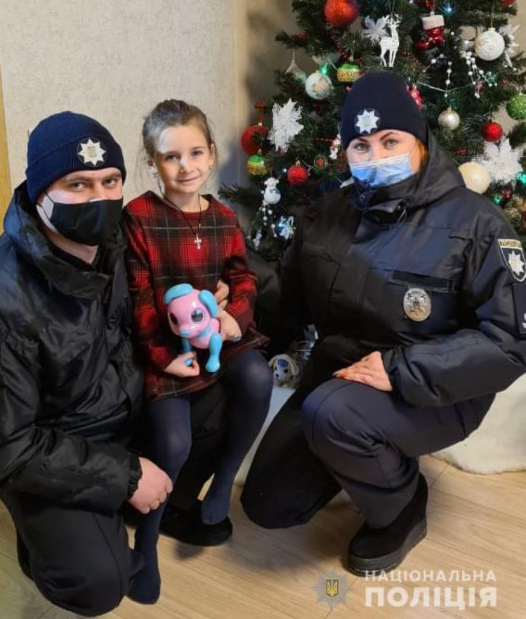 Полицейские Винниччины поздравили детей с праздником Николая (фото), фото-10
