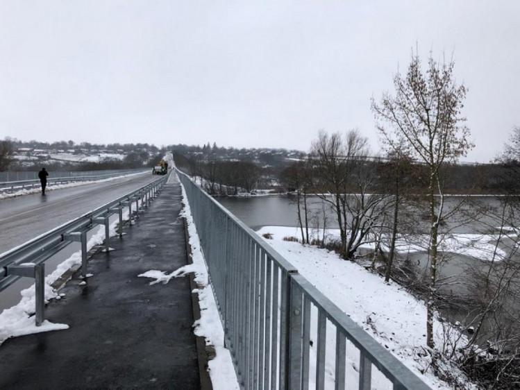 На Винниччине завершился капитальный ремонт самого длинного моста через реку (фото), фото-2