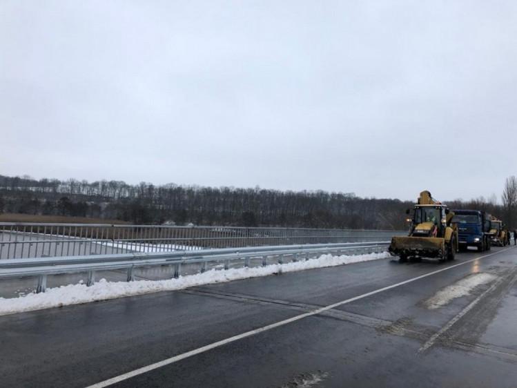 На Винниччине завершился капитальный ремонт самого длинного моста через реку (фото), фото-4