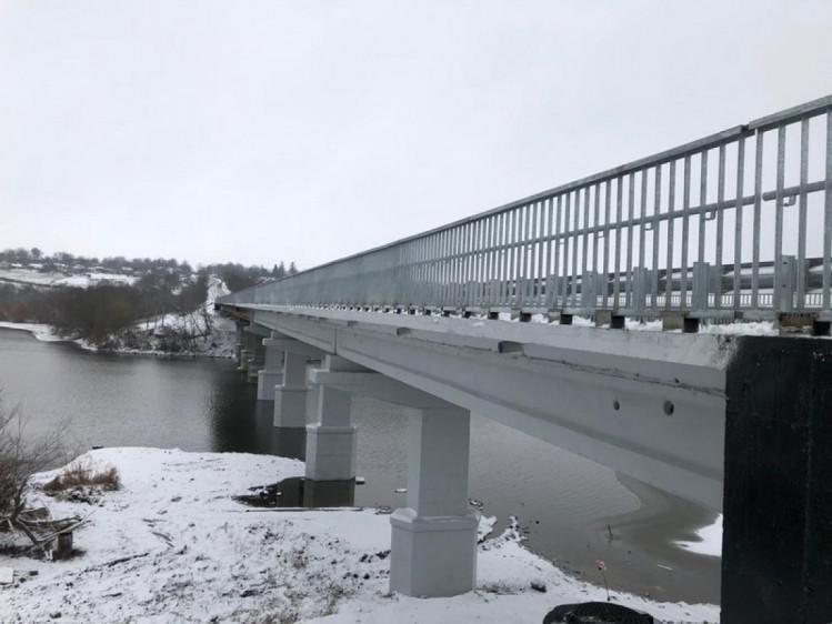 На Винниччине завершился капитальный ремонт самого длинного моста через реку (фото), фото-1