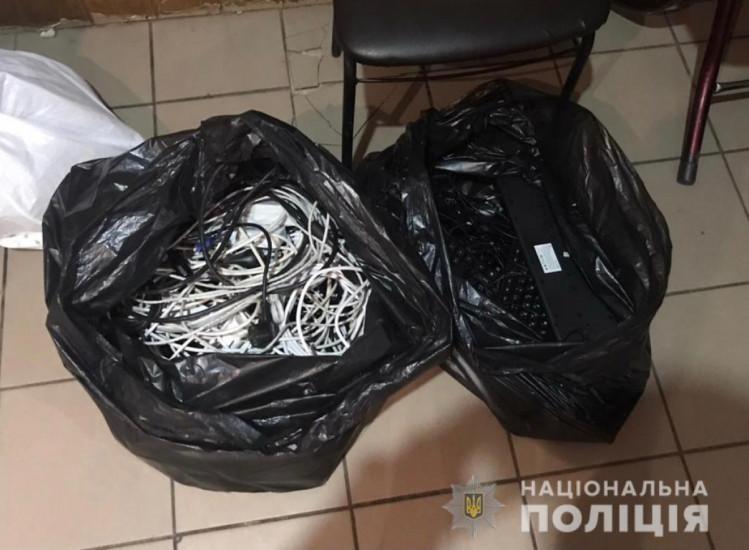 """В Немирове в бывшем кафе полиция """"накрыла"""" подпольное игорное заведение, фото-3"""